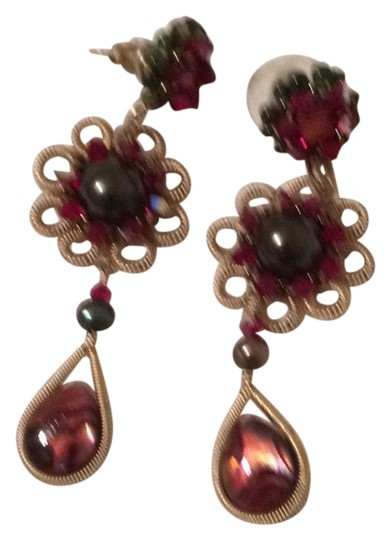 Preload https://img-static.tradesy.com/item/19259989/miguel-ases-cranberry-goldtone-drop-earrings-0-2-540-540.jpg