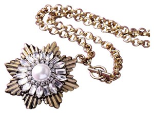Other New Vintage Style Crystal And Faux Pearl Medallion Necklace