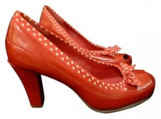 Preload https://item5.tradesy.com/images/aerosoles-red-pumps-size-us-55-192609-0-0.jpg?width=440&height=440