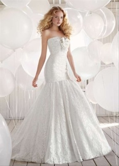 Hayley Paige Ivory Lace and Tulle 1210 Wedding Dress Size 6 (S)