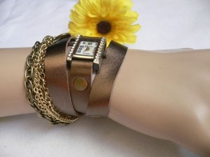 Women Quartz Watch Rusty Gold Bronze Chains Faux Leather Bracelet Rhinestone