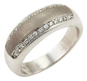 Roberto Coin 18172M - Roberto Coin Diamonds 18k White Gold 7mm Band Ring -Size 6.25