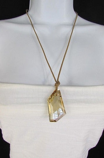 Other Women Big Beige Crystal Lizety Swarovsky Elements Pendant Fashion Necklace