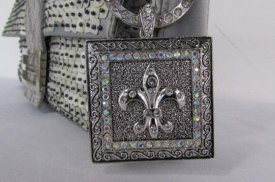 Other Women Silver Plate Scarf Necklace Pendant Charm Fleur De Lis Flower