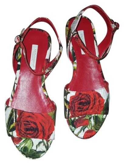 Preload https://img-static.tradesy.com/item/19265521/red-and-white-gucci-for-kids-sandals-size-us-4-narrow-aa-n-0-1-540-540.jpg