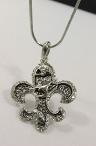 Other Women Silver Metal Fashion Necklace Fleur De Lis Lily Flower Bull Rhinestone