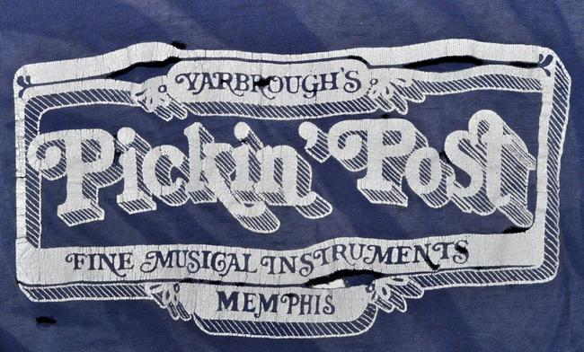 Genuine Vintage from the 1970s Concert Concert Rock 70s Distressed T Shirt Blue