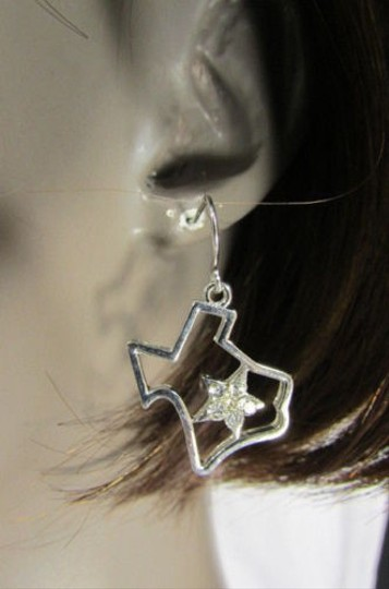Other Women Silver Metal Western Fashion Earrings Set Texas Map Star