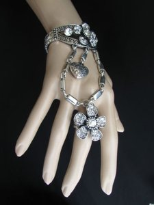Other Women Silver Flowers Hand Chains Slave Bracelet Ring Rhinestones Big Heart