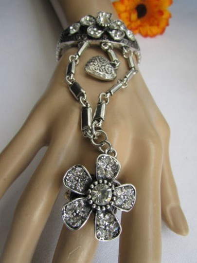 Other Women Silver Flowers Hand Chains Slave Bracelet Heart