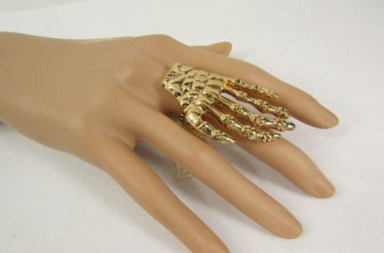 Other Women Rusty Gold Metal Skeleton Big Hand Fashion Ring Elastic One