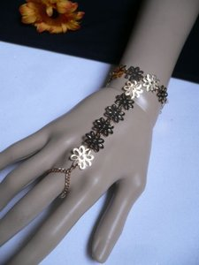 Women Gold Flowers Hand Links Chain Fashion Slave Bracelet Wrist To Ring