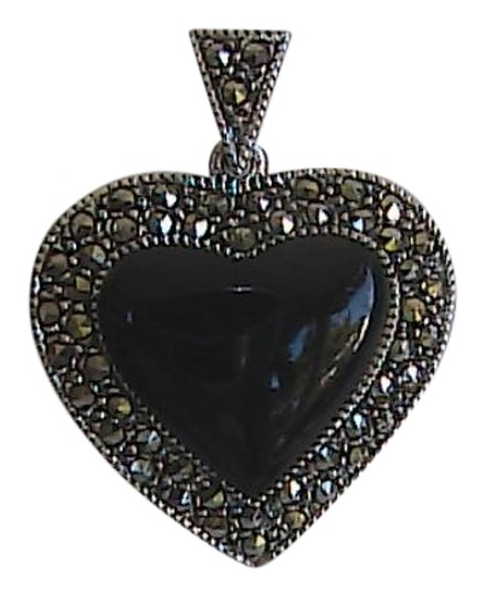Preload https://img-static.tradesy.com/item/19270270/sterling-silver-black-onyx-and-marcasite-heart-pendant-necklace-0-1-540-540.jpg