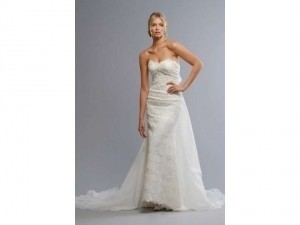 Liz Fields Ivory Lace and Organza 9001 Wedding Dress Size 8 (M)