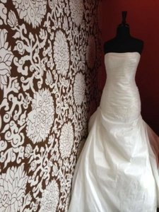 Enzoani Dover Wedding Dress