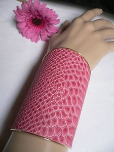 Other Women Bracelet Snake Skin Print Cuff Dressy Bright Hot Pink Elastic