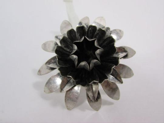 Other Women Metal Ring Jewelry Dark Antique Silver Sun Lily Flower Big
