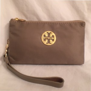 Tory Burch Clutch Nylon Canvas Wristlet in khaki (Beige)