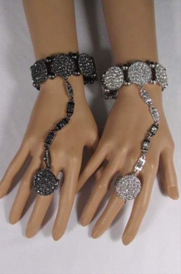 Other Women Silver Pewter Metal Fashion Bracelet Hand Chain Slave Ring Big Circles