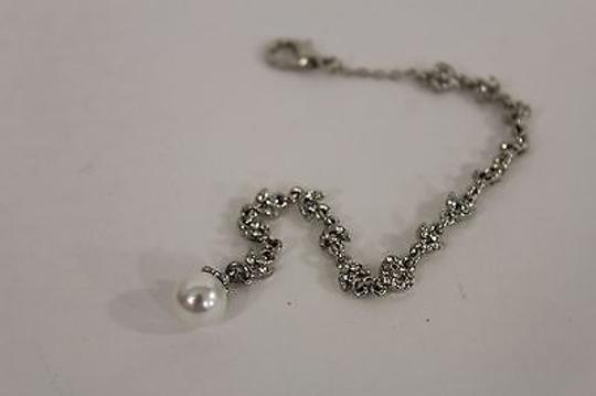 Other Women Silver Metal Chain Pearl Back Pendant Connected Necklace