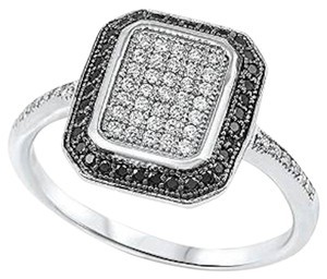 9.2.5 rare black and white diamond paved art deco ring size 7