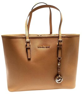 Michael Kors Zip Comp.hold Strap Int.zip Pocket Front Logo Tote in Brown/Tan