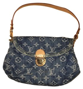Louis Vuitton Mini Pleaty Wristlet in Blue