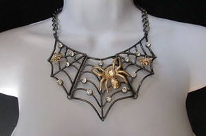 Women Metal Pewter Necklace Gold Spider Chunky Chains Earrings Set Tarantula