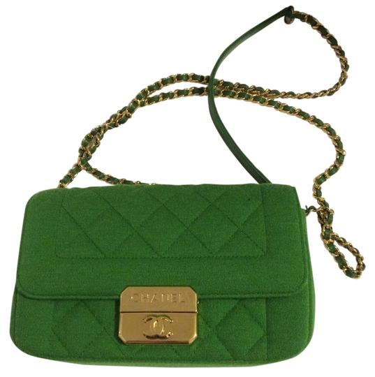 Preload https://img-static.tradesy.com/item/19278661/chanel-jersey-flap-style-97327-green-fabric-cross-body-bag-0-1-540-540.jpg