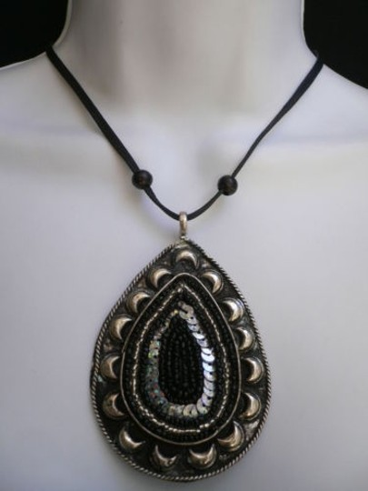 Other Women Black Necklace Antique Silver Metal Big Oval Pendant Beads Sequince