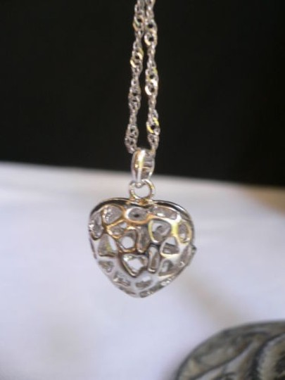 Other Women Silver Heart Pendant Thin Necklace Fashion Sea Pearl Shell Gift Box