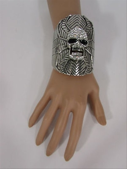 Other Women Silver Metal Cuff Bracelet Fashion Jewelry Skull Face Spider Web Beads