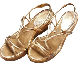 Elie Tahari Light Gold Wedges