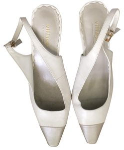 Villager White and silver Pumps