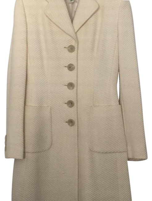 Preload https://img-static.tradesy.com/item/19282453/banana-republic-off-white-trench-coat-size-0-xs-0-1-650-650.jpg
