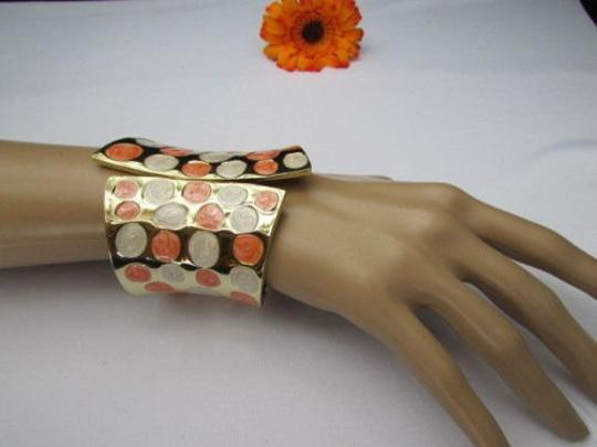 Other Women 3.25 Wide Gold Metal Claws Cuff Fashion Bracelet White Peach Polka Dots