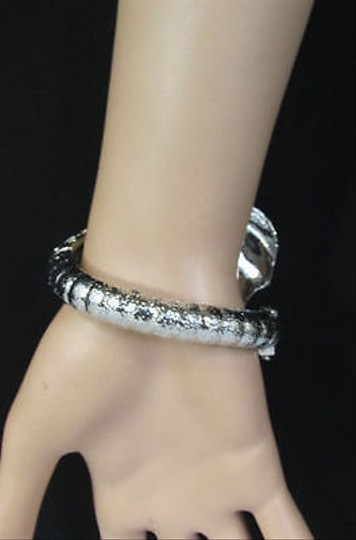 Other Women Wide Shiny Silver Metal Cuff Big Elephant Head Adjustable