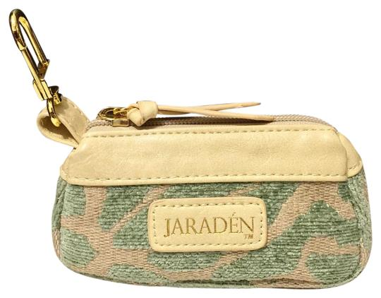 Preload https://img-static.tradesy.com/item/19283692/jaraden-green-small-zipper-clip-in-pouch-case-cosmetic-bag-0-1-540-540.jpg