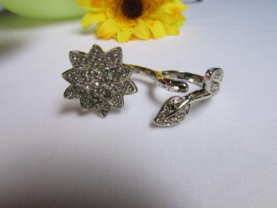 Other Women Silver Rhinestones Big Metal Flower Fashion Ring Two Fingers Leaves