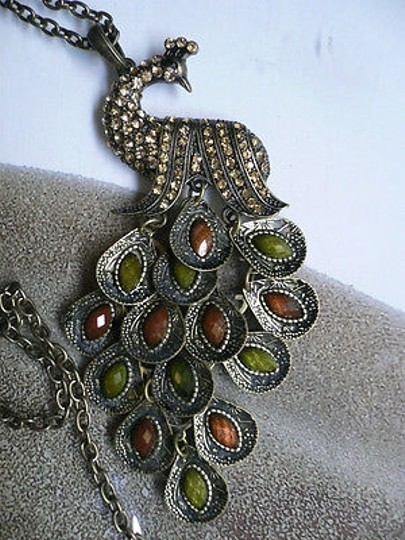 Other Women Long Necklace Rusty Gold Chain Peacock Big Pendant Green Brown Feathers