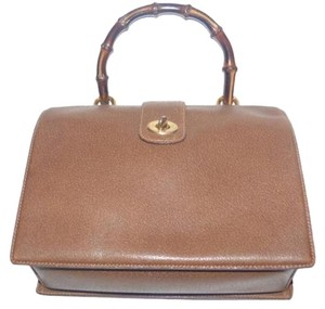 Gucci 1960's Mod Kelly Style Doctor's Boxy Hinged Style Mint Vintage Satchel in medium brown leather with bamboo handle