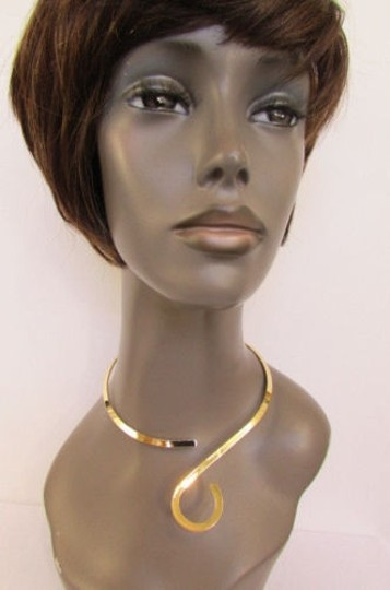 Other Women Thin Gold Choker Fashion Necklace Round Drop Pendant