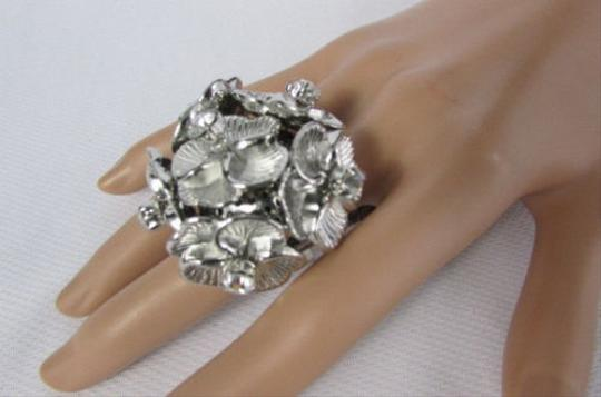 Other Women Multi Metal Mini Flowers Fashion Ring Elastic Band Rhinestones Leaves