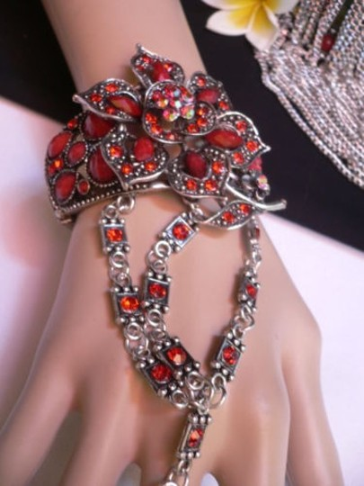 Other Women Silver Cuff Slave Bracelet Connected Red Center Flowers