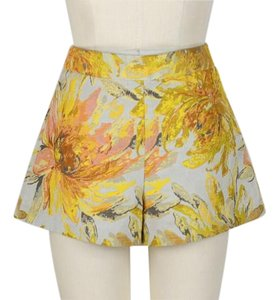 Alice + Olivia Shorts yellow