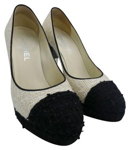 Chanel Tweed Cc White/Black Pumps