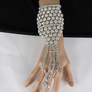 Women Silver Metal Lace Rhinestone Slave Ring Fashion Bracelet Hand Chain Flower