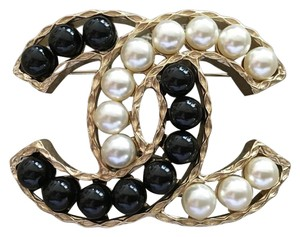Chanel Chanel Large Black White Pearls CC Logo Gold Metal Brooch Pin