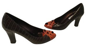 Isaac Mizrahi All Open Criss Cross Made Italy Brown with orange embossed leather peep toe Pumps