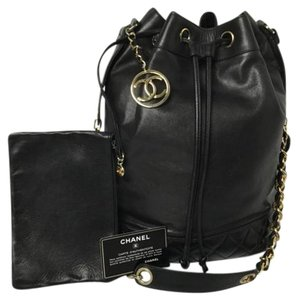 Chanel Drawstring Drawstring Shoulder Bag